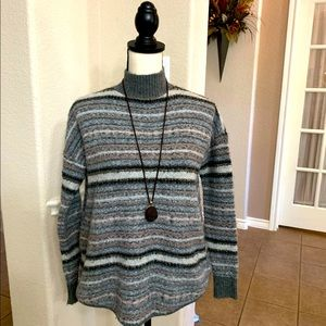 American Eagle Outfitters gray/black/pink  sweater